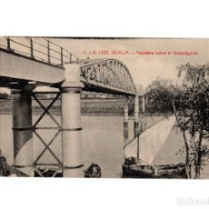 Postales: SEVILLA .- PASADERA SOBRE EL GUADALQUIVIR.. Lote 189181920