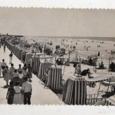 Postales: CÁDIZ. PLAYA DE LA VICTORIA. FRANQUEADA EL 31 DE MARZO DE 1956.. Lote 193731800