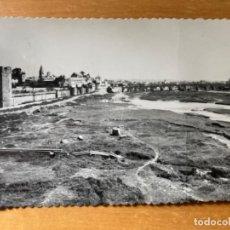 Postales: ANTIGUA POSTAL CORDOBA MURALLAS Y PUENTE ROMANO 25. Lote 194297501