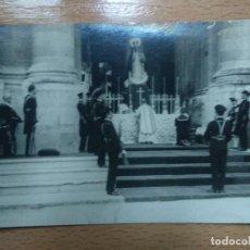 Postales: POSTAL FOTOGRAFICA. REY ALFONSO XIII. SAN FERNANDO, CADIZ. MISA VIRGEN..MILITAR... Lote 195298753