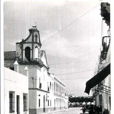 Postales: CADIZ CHICLANA IGLESIA DE SAN TELMO Y CALLE MAGISTRAL CABEZA ED PAYDOS CIRCULADA POSTAL FOTOGRAFICA. Lote 195424003