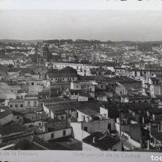 Postales: P-11227. POSTAL JEREZ DE LA FRONTERA. VISTA PARCIAL DE LA CIUDAD. ED. SUR.. Lote 198780311