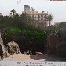 Postales: P-11229. POSTAL CADIZ, HOTEL ATLANTICO DESDE EL PARQUE. AÑO 1954.. Lote 198780416