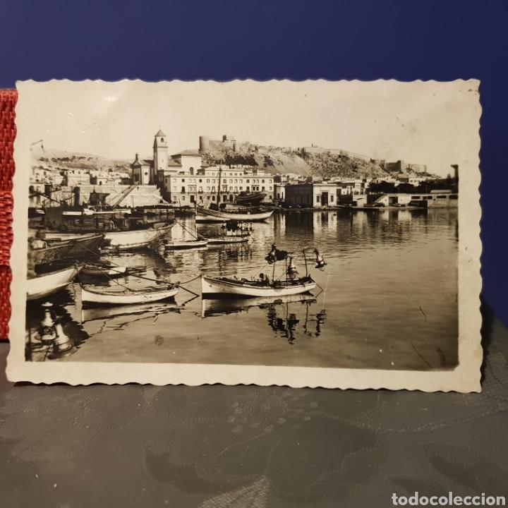 Postales: 2 postales del puerto de Almeria. Embarque de uvas y otra con vistas a la Alcazaba. - Foto 3 - 205599383