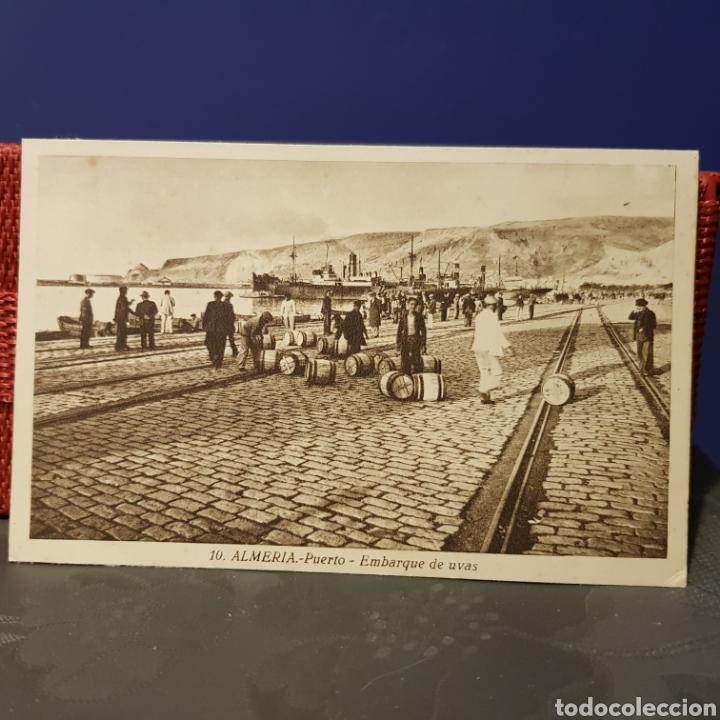 2 POSTALES DEL PUERTO DE ALMERIA. EMBARQUE DE UVAS Y OTRA CON VISTAS A LA ALCAZABA. (Postales - España - Andalucía Antigua (hasta 1939))