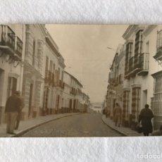 Postales: ANTIGUA POSTAL DE LA CALLE MARCHENA. PUEBLA DE CAZALLA. SEVILLA. Lote 210650065