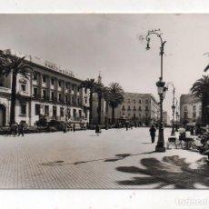 Postales: HUELVA. PLAZA DE LAS MONJAS. FRANQUEADA EL 14 DE JULIO DE 1961.. Lote 221361586