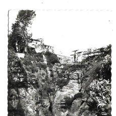 Postales: RONDA -MALAGA - ANTIGUA POSTAL- LADERAS DEL TAJO - CIRCULADA EL 12 - 4 - 1.956. Lote 221793847