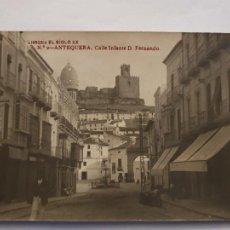 Postales: ANTEQUERA - CALLE INFANTE DON FERNANDO - LIBRERÍA EL SIGLO XX - MÁLAGA - P40196. Lote 228162245