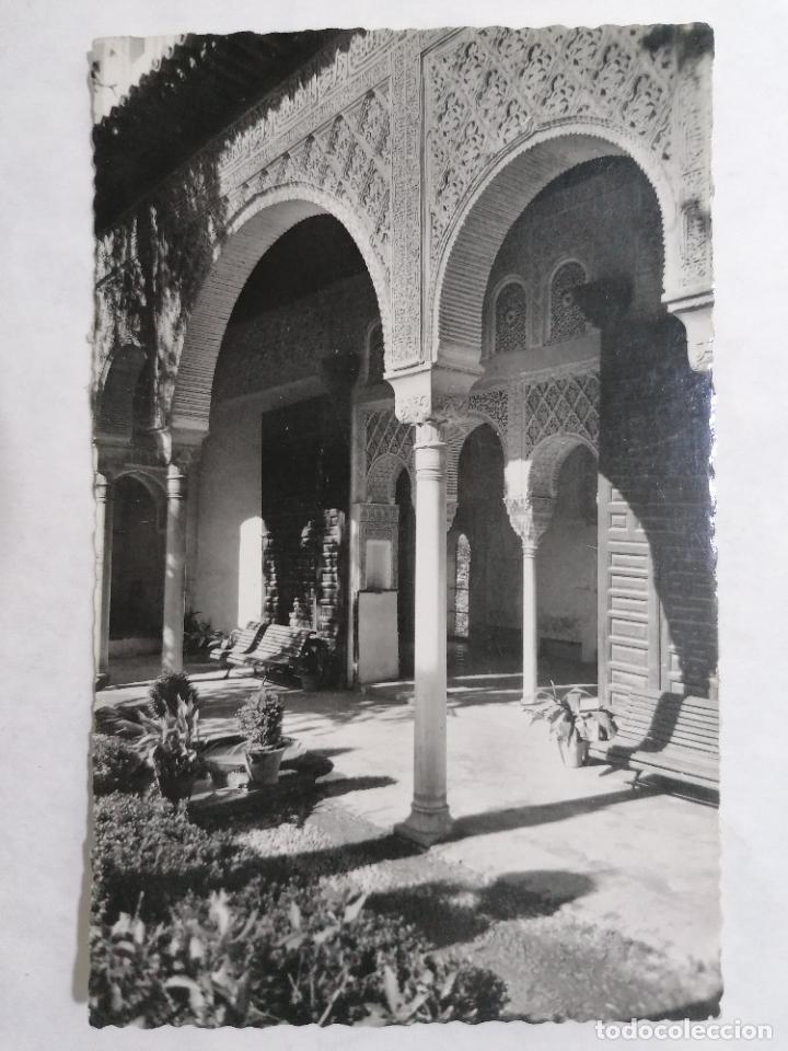 POSTAL GRANADA, GENERALIFE, EXTERIOR DEL PORTICO, AÑO 1953 (Postales - España - Andalucia Moderna (desde 1.940))