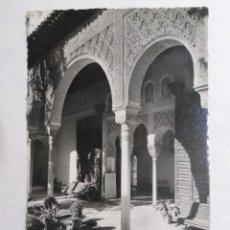 Postales: POSTAL GRANADA, GENERALIFE, EXTERIOR DEL PORTICO, AÑO 1953. Lote 244467690