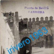 Postales: POSTAL FOTOGRAFICA DE CARMONA, PUERTA DE SEVILLA. Lote 246138595
