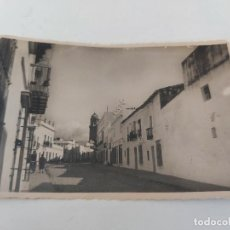 Postales: ANTIGUA FOTOGRAFIA POSTAL DE CHICLANA DE LA FRONTERA - CALLE DE P. FELÚE - EDICIONES SUR CADIZ - NO. Lote 252770845