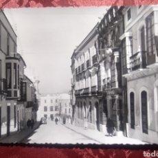 Cartes Postales: AGUILAR DE LA FRONTERA CÓRDOBA CALLE SAN JOSÉ AÑOS 1950. Lote 254845215