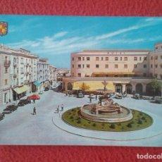 Postales: POST CARD Nº 1211 JAÉN PLAZA DE COCA DE LA PIÑERA HOTEL REY FERNANDO COCHES ÉPOCA ESTACIÓN AUTOBUSES. Lote 270572668