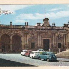 Postales: JEREZ DE LA FRONTERA (CADIZ). PLAZA DE LA ASUNCION Y AYUNTAMIENTO (1965) - COCHES SEAT 600. Lote 278426653
