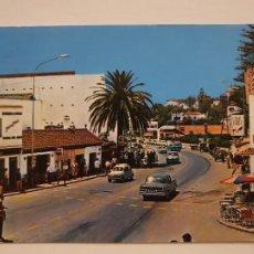 Cartes Postales: TORREMOLINOS - VISTA PARCIAL - SEAT 600 - MERCEDES BENZ - MÁLAGA - LAXC - P58306. Lote 279569288