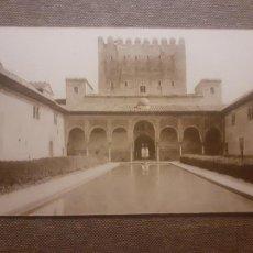 Postales: GRANADA ALHAMBRA PATIO DE LOS ARRAYANES Y TORRE DE GOMARES. Lote 288168663