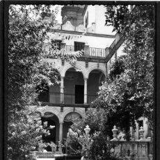 Postales: POSTAL DE MALAGA-JARDINES DEL PALACIO EPISCOPAL-SIN FRANQUEAR-ESCRITA POR EL REVERSO .. Lote 293165288