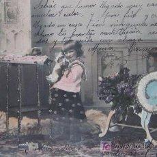 Postales: PERROS: ADORNADA CON PURPURINA. ESPAÑOLA. ANTERIOR A 1906. Lote 20301351