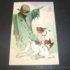 Postales: PERROS CON ESPANTAPAJAROS POSTALEN RELIEVE ANTERIOR A 1905. Lote 49701576