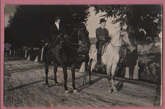 FOTO POSTAL DE DOS JINETES CON SUS CABALLOS - MONTSERRAT TERRICABRAS 1920 (Postales - Postales Temáticas - Animales)