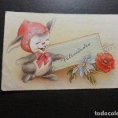 Postales: CONEJO CON FLORES FELICITACION ILUSTRADA POSTAL. Lote 178238468
