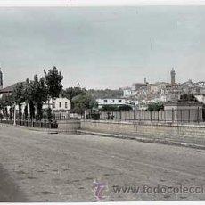 Postales: ZARAGOZA. TARAZONA. VISTA GENERAL, AL FONDO LA CATEDRAL. ED. PARIS Nº 40. ESCRITA. Lote 18518171