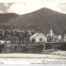 Postales: PS0275 BIESCAS 'PUENTE SOBRE EL GALLEGO Y BARRIO DE LA PEÑA'. ED. M. ARRIBAS. CIRCULADA 1956. Lote 18814347