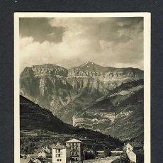 Postales: POSTAL DE BROTO (HUESCA): VISTA PARCIAL Y AL FONDO MONDARRUEGO (ZERKOWITZ NUM.4). Lote 19831308