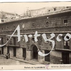 Postales: BONITA Y RARA POSTAL - TARAZONA (ZARAGOZA) - FACHADA DEL AYUNTAMIENTO - AMBIENTADA. Lote 30294309