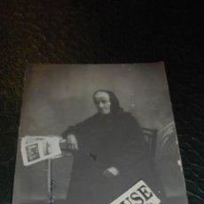Postales: GRAUS ( HUESCA ) POSTAL FOTOGRAFIA ANCIANA , TAMPON EN SECO - AGUILAR GRAUS - 14X9 CM. . Lote 140159450