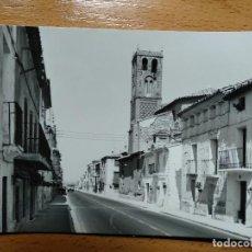 Postales: PUEBLA DE ALFINDEN. ZARAGOZA. Nº 6 CALLE MAYOR E IGLESIA PARROQUIAL. ED MONTAÑES.. Lote 144155578