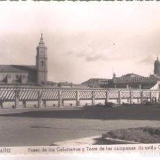 Postales: POSTAL DE ALCAÑIZ - PASEO DE LOS CALATRAVOS Y TORRE DE LAS CAMPANAS DE ESTILO GÓTICO.. Lote 145966522