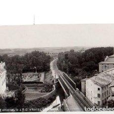 Postales: TARJETA POSTAL DE ALHAMA DE ARAGON. ZARAGOZA. VIA F.C. Y HOTEL GUAJARDO.. Lote 154784590