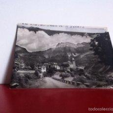 Postales: TORLA ( EL PUEBLO Y AL FONDO MONDARRUEGO) POSTAL NUEVA AÑOS 50. Lote 160494412