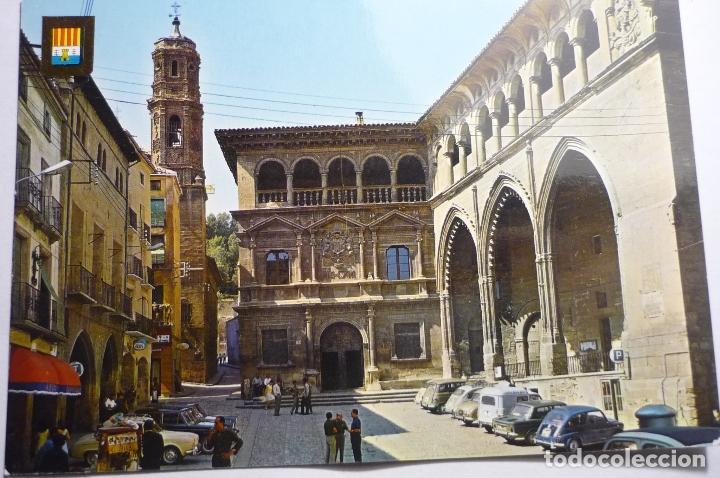 POSTAL ALCAÑIZ.-PALACIO MUNICIPAL Y LONJA -COCHES (Postales - España - Aragón Moderna (desde 1.940))