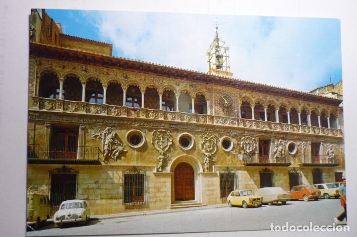 POSTAL TARAZONA.-CASA CONSISTORIAL-COCHES (Postales - España - Aragón Moderna (desde 1.940))