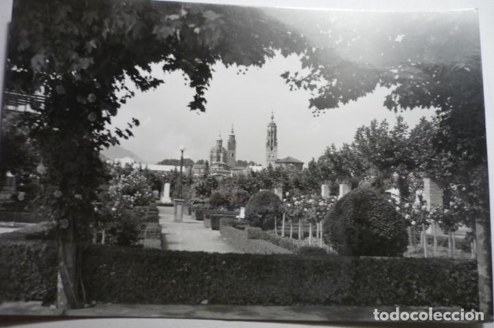 POSTAL TARAZONA -PARQUE ESTACION Y TORRE CATEDRAL -CIRCULADA CM (Postales - España - Aragón Moderna (desde 1.940))