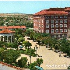 Postales: TERUEL - 2 GLORIETA DE GALÁN Y CASTILLO. Lote 180126583