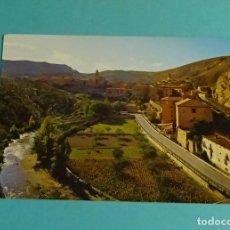 Postales: ALBARRACÍN. VISTA PANORÁMICA Y RÍO GUADALAVIAR. EDICIONES SICILIA. Lote 183325851