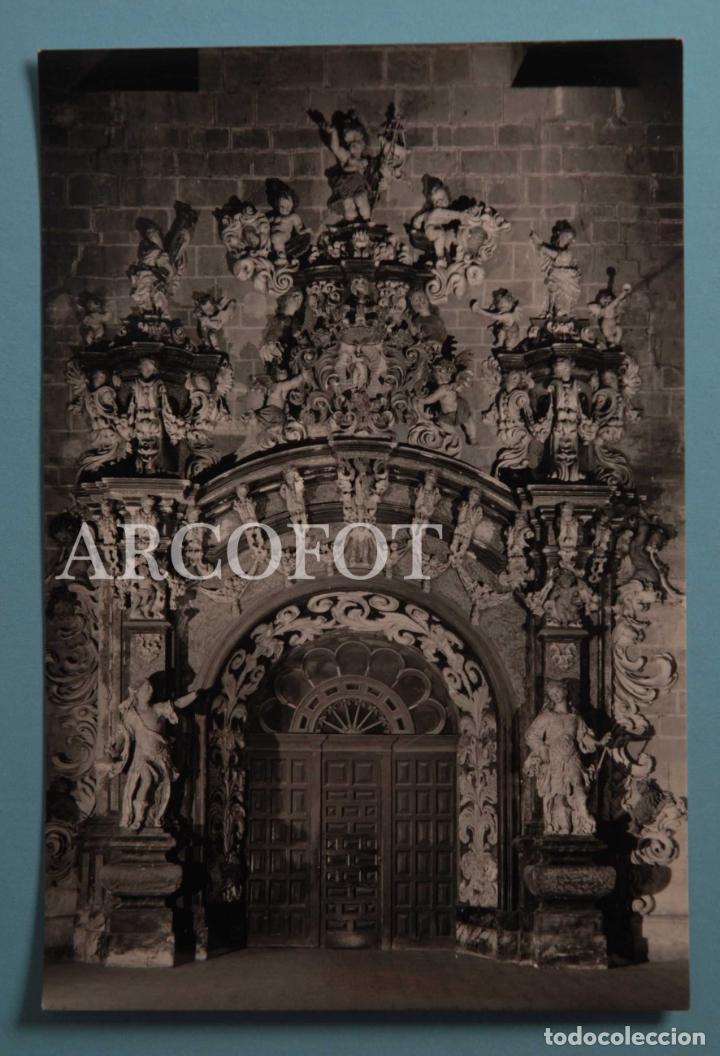 ANTIGUA POSTAL - 20 - SANTA MARÍA DE VERUELA - PUERTA DE ACCESO A LA SACRISTÍA - LA DE LAS FOTOS (Postales - España - Aragón Moderna (desde 1.940))
