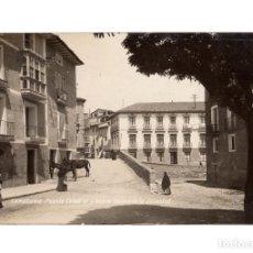 Postales: TARAZONA.(ZARAGOZA).- PUENTE CATEDRAL Y NUEVO CASINO DE LA JUVENTUD. POSTAL FOTOGRÁFICA.. Lote 224115107