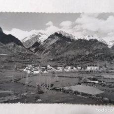Postales: POSTAL EL PUEBLO DE JACA, VALLE DE TENA, VISTA GENERAL Y EL VALLE, AÑO 1960. Lote 244978835