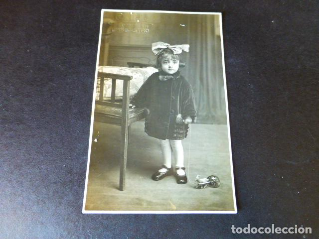 BARBASTRO HUESCA POSTAL FOTOGRAFICA GALLIFA FOTOGRAFO RETRATO DE NIÑA CON JUGUETE (Postales - España - Aragón Antigua (hasta 1939))