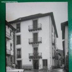 Postales: ANSO, HUESCA.- PLAZA AYUNTAMIENTO Y FONDA AISA .- EDICIONES SICILIA Nº 8. Lote 295301968
