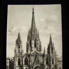 Postales: POSTAL FOTOGRÁFICA CIRCULADA AÑO 1956 CATEDRAL DE BARCELONA ED Y FOTO TALLERES A.ZERKOWITZ Nº1007 . Lote 41381261