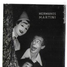 Postales: F-4410. POSTAL FOTOGRAFICA, HERMANOS MARTINI. TOTÓ (MANUEL VALLÉS), JUANITO Y RINO. AÑOS 60-70.. Lote 179947885