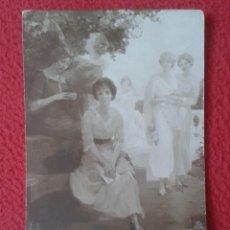 Postales: POST CARD CARTE POSTALE SALON A. F. A. LAGRANGE JEUNES FILLES DANS UNE ROSERAIE GIRLS IN A ROSERY.... Lote 271802493