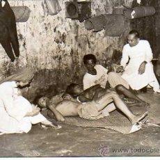 Postales: FOTO TAMAÑO POSTAL. CELDA DE DROGADICTOS. PRISION CARCEL. MANILA. FILIPINAS.. Lote 25715926